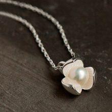 三瓣丁香花淡水珍珠项链,一抹流转在锁骨间的暗香