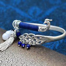 足银蓝孔雀创意手镯,百搭不同气质的女性