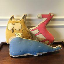 优趣良品创意卡通抱枕靠垫,送家人朋友爱人的最好礼物