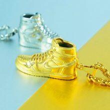 个性嘻哈AJ1钛钢鞋子项链,走在时尚潮流的最前线