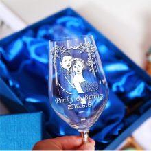 照片定制玻璃酒杯,送朋友一份充满创意的结婚礼物