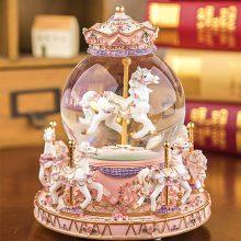 精灵屋水晶球旋转木马音乐盒,七彩灯光邂逅属于你的浪漫