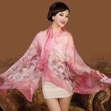 上海故事24种花色防晒真丝丝巾,给你如花般娇嫩的颜色