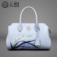 中国风刺绣简约手提包,展现古典优雅的女性风韵