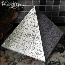 金字塔复古家用带盖烟灰缸,出人意料的礼物才能带来惊喜