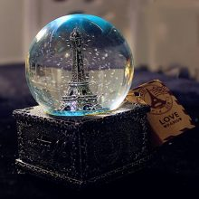 复古埃菲尔铁塔水晶球,一款充满浪漫的小礼物