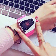 创意LED防水电子表,一款时尚百搭的潮流手表