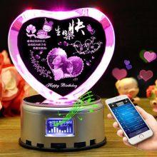 创意心形水晶球音乐盒,把你的心交给最爱的ta