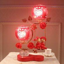 创意有趣的婚庆红色台灯,喜庆温馨的婚房台灯摆件