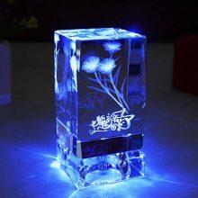芷墨可发光康乃馨水晶灯座,一份支持个性定制的专属礼物
