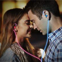 解放者入耳式线控发光耳机,耳机线可以发光的炫酷